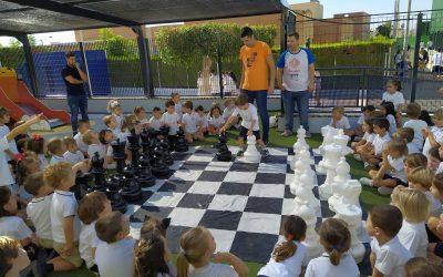 En New Castelar College nos encanta el ajedrez