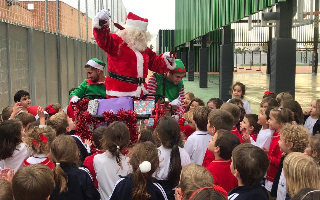 ¡Papá Noel llega a New Castelar College!